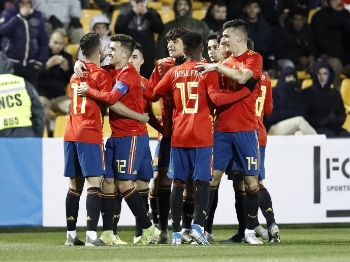 La selección celebrando un gol