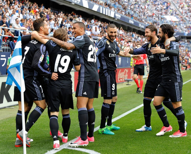 Jugadores celebrando el gol de Cristiano