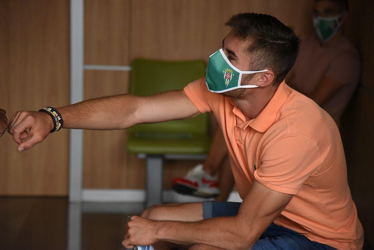 Juliaan Laverge durante el reconocimiento médico Fuente:@Cordoba_ofi