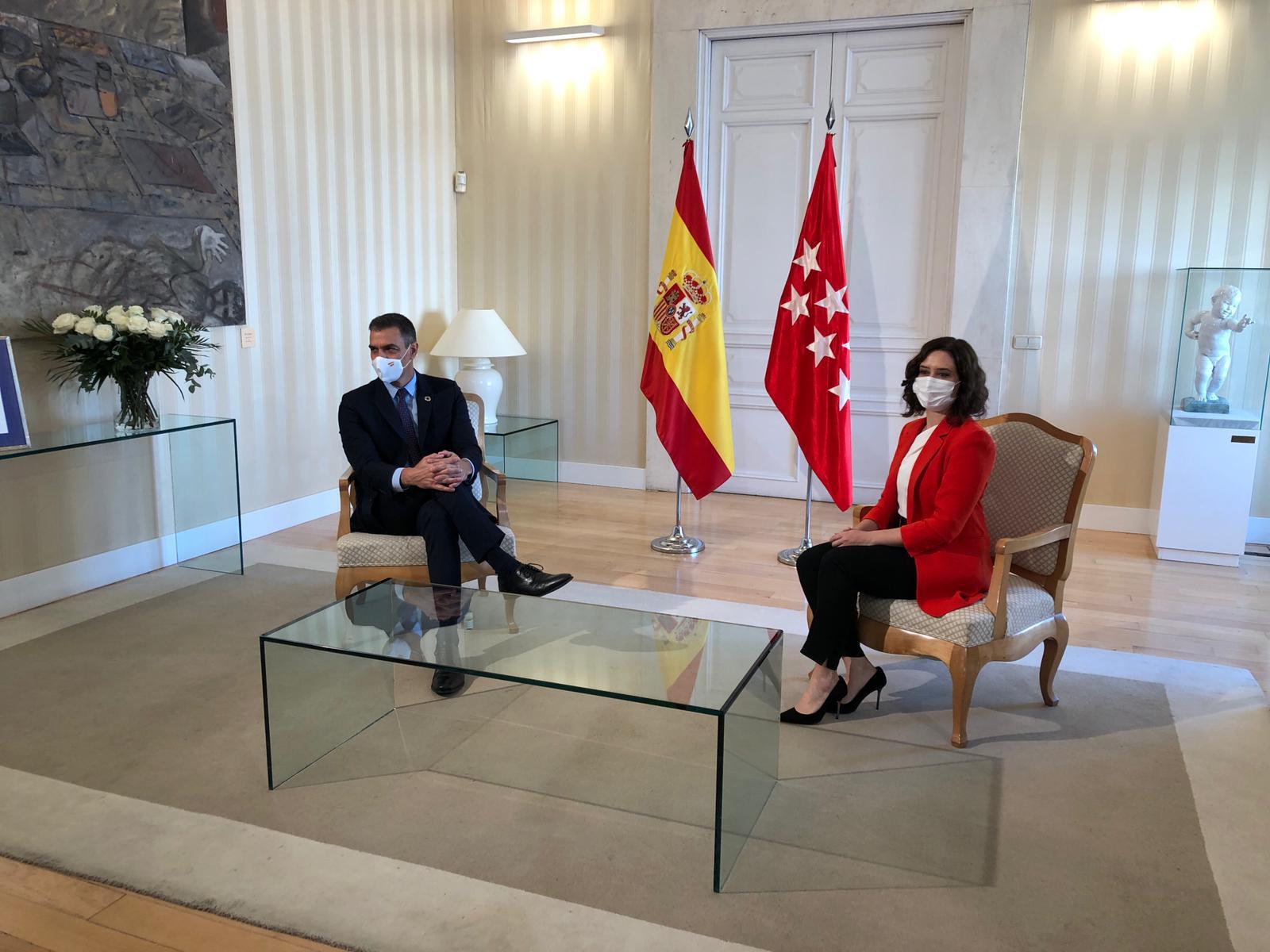 Sánchez y Ayuso