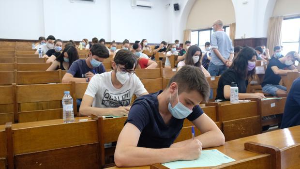 La presencia a exámenes en septiembre será mixta a causa del coronavirus.   Foto: sevilla.abc.es