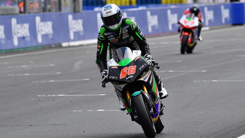 Niki Tuuli ganando en Francia