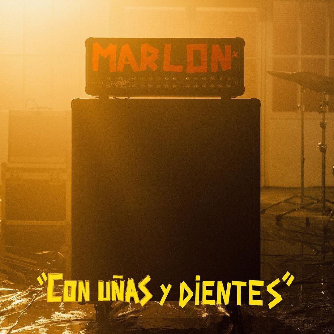 """""""Con uñas y dientes"""" de Marlon"""