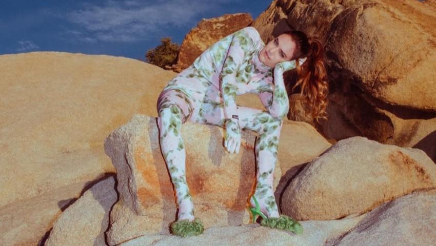 Julia Stone presenta su nuevo single 'Fire in Me', canción que añadirá a su disco 'Sixty Summers'