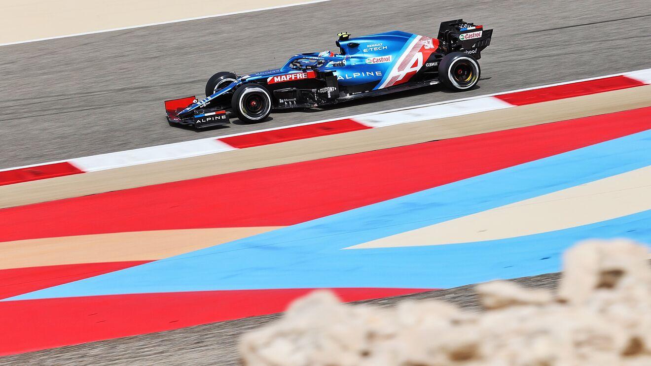 Alpine de Fernando Alonso en los test de Bahréin 2021.