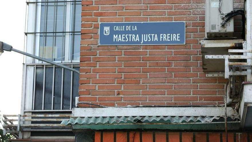 Calle de la maestra Justa Freire